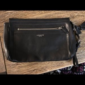 *Authentic* COACH leather clutch